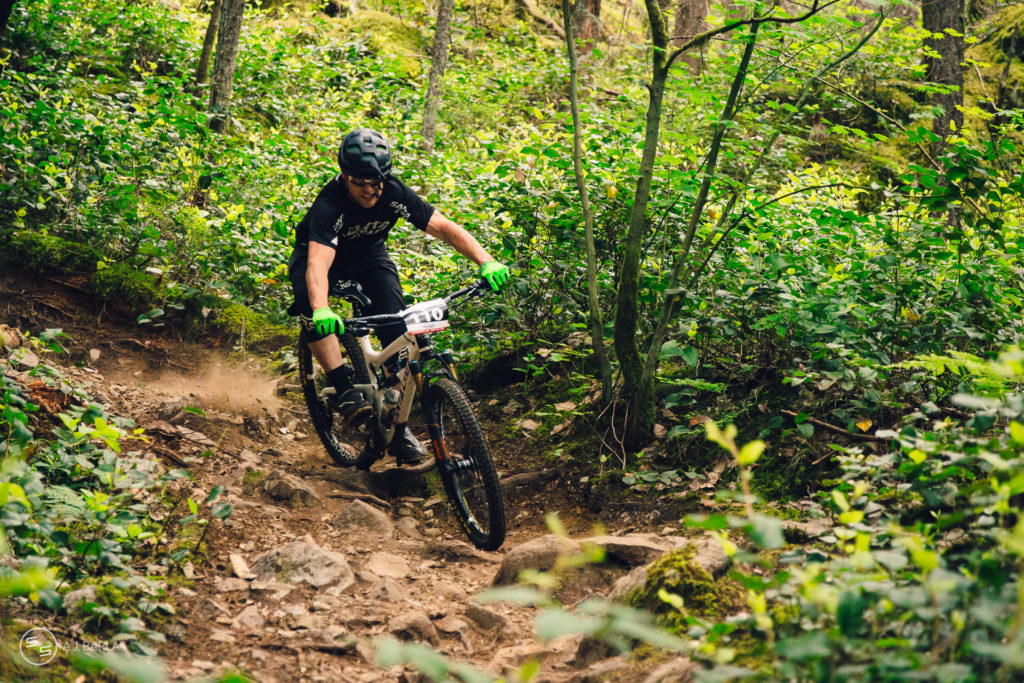 Craig Wilson storms down Stage 5 of the 2015 Squamish Enduro